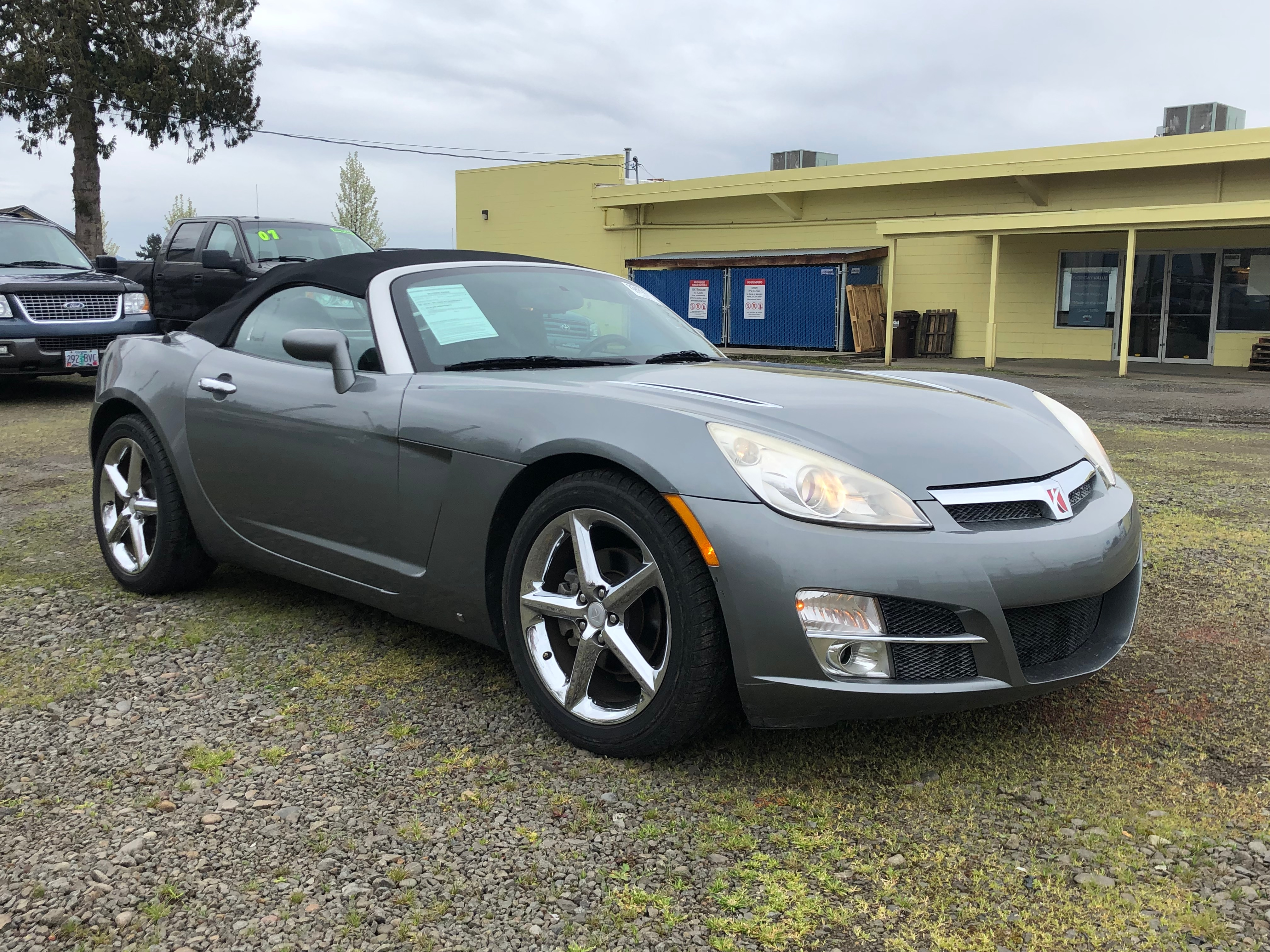 Pre-Owned 2007 Saturn Sky Base