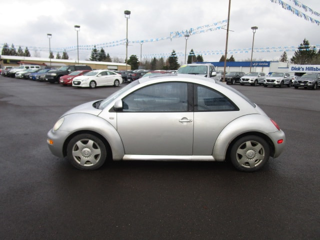 Pre-Owned 2000 Volkswagen New Beetle GLS