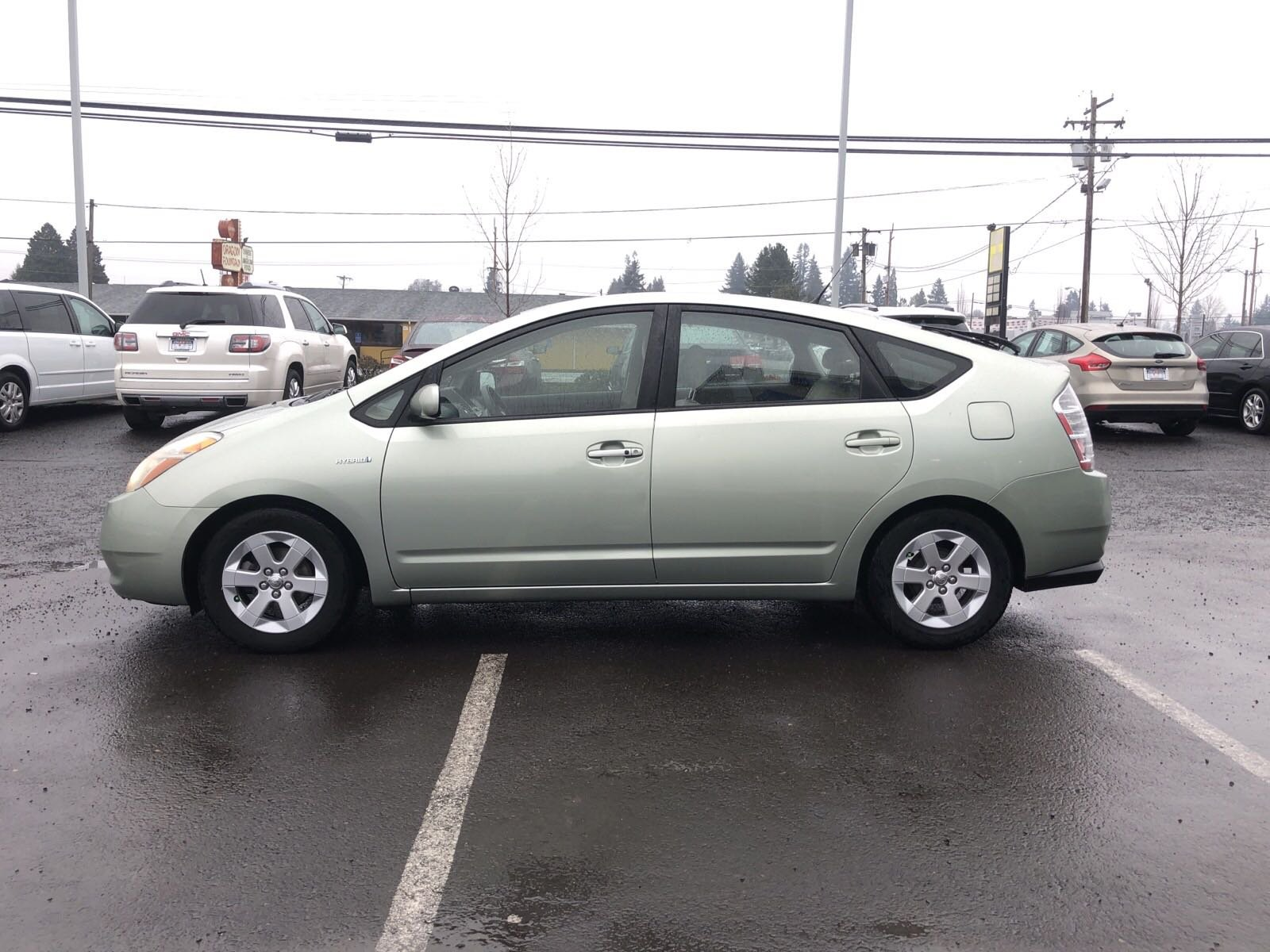 Pre-Owned 2007 Toyota Prius Package 2