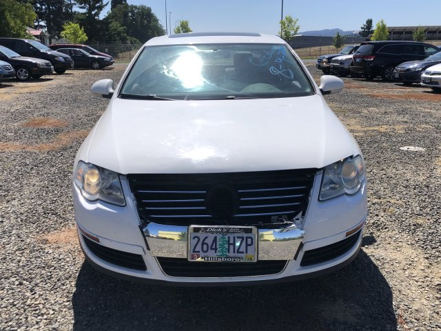 Pre-Owned 2008 Volkswagen Passat Sedan Komfort