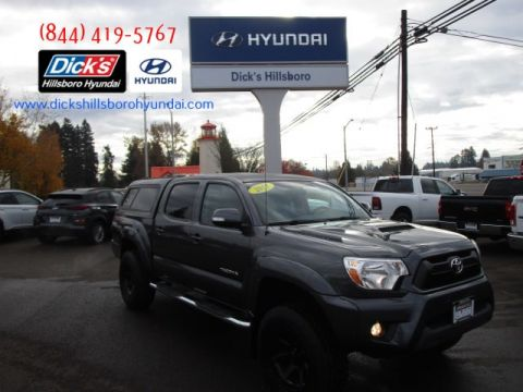 Pre-Owned 2015 Toyota Tacoma 4x4 V6