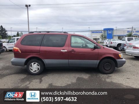 Pre-Owned 1998 Toyota Sienna