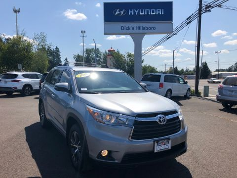 Pre-Owned 2016 Toyota Highlander XLE V6 With Navigation & AWD