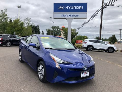 Pre-Owned 2016 Toyota Prius With Navigation