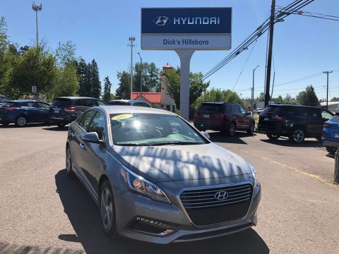 Pre-Owned 2017 Hyundai Sonata Plug-In Hybrid Base With Navigation